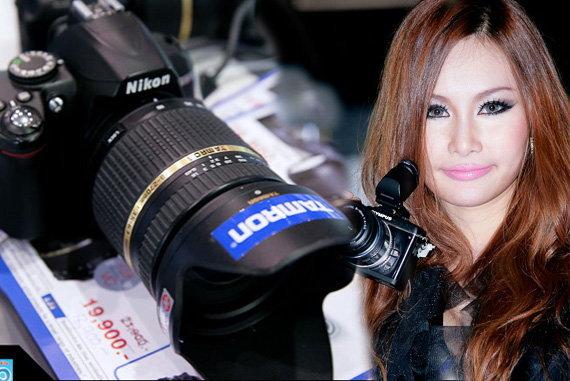 [พาเที่ยว] : งาน Foto Fair 2010 - ลองกล้องก็สนุก ถ่ายพริตตี้ก็สบาย