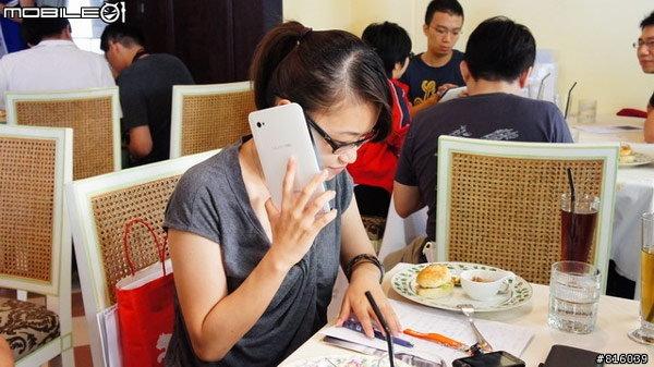 Samsung Galaxy Tab ใช้คุยโทรศัพท์ด้วยการ แนบหู เหมือน มือถือ ทั่วไปได้หรือไม่?
