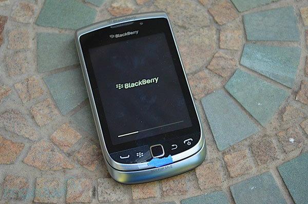 หลุดภาพ BlackBerry Torch 2 แบบชัดๆ พร้อมพรีวิวก่อนเปิดตัว