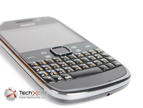 Review: Nokia E6 มือถือธุรกิจแบบมีคีย์บอร์ด QWERTY และ Touch Screen ในเครื่องเดียวกัน!