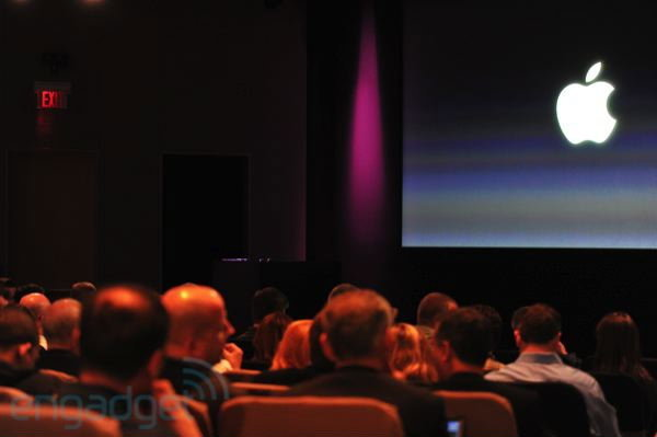 งานแถลงข่าวเปิดตัว iPhone 4s อย่างเป็นทางการ