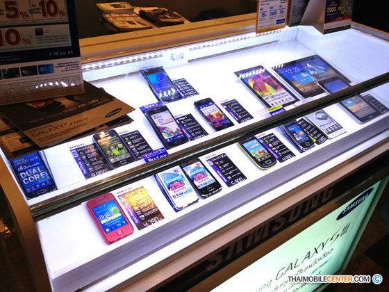 รวมโปรโมชั่นมือถือ ที่มีวางจำหน่าย ในงาน Commart Next Gen 2012
