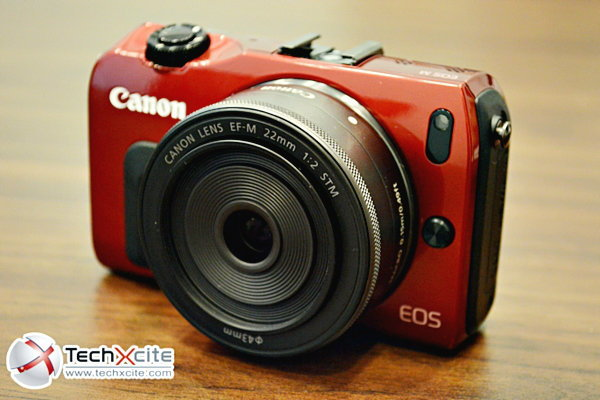 Canon EOS M สุดยอดกล้อง Mirrorless พร้อมหน้าจอ Touchscreen จาก Canon