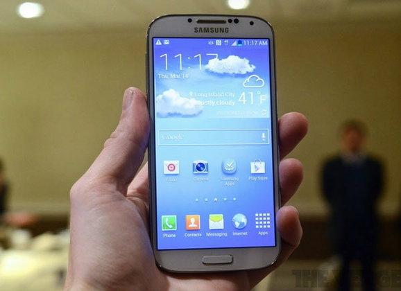 [พรีวิว] Samsung Galaxy S4 จอใหญ่ขึ้น ซีพียูแรงขึ้น