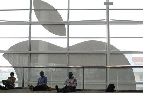 """""""แอปเปิล"""" ฟื้นยอด """"ไอโฟน"""" รับเทิร์นเครื่อง-พาเหรดรุ่นใหม่"""