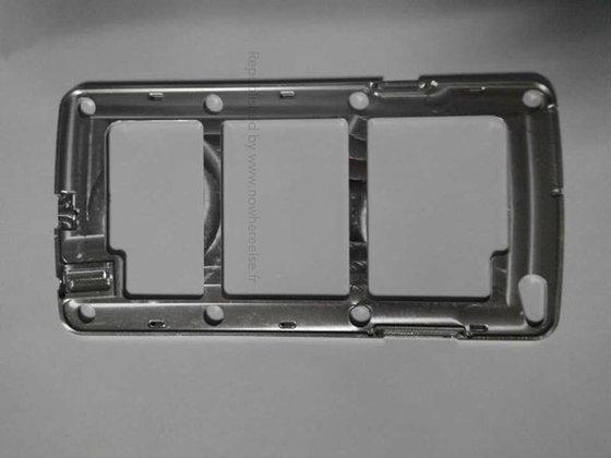 ฮือฮา!! ชิ้นส่วนโลหะ Samsung Galaxy S5  โผล่แล้ว