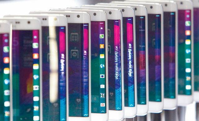 เช็กสต๊อกมือถือ 4G LTE กว่า 40 รุ่นลงตลาดพรึ่บ