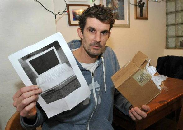 ฟาดเคราะห์ สั่งซื้อ MacBook แต่กลับกระดาษ A4 มา