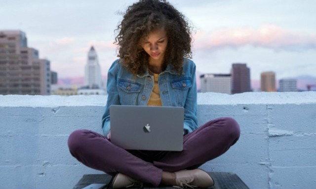 กากจริง ! MacBook Retina 12 ที่ใช้ Core M มีความแรงเท่ากับ MacBook Air เมื่อ 4 ปีที่แล้วเท่านั้น