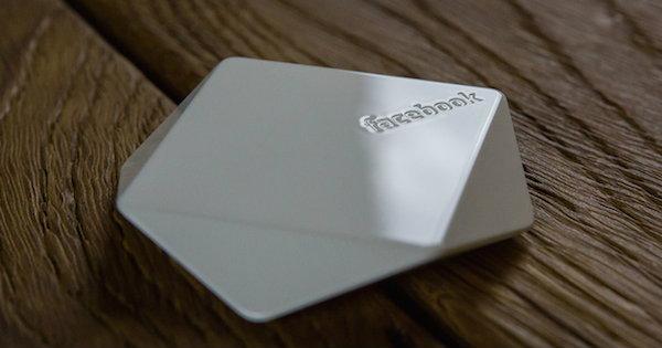 เฟซบุ๊กเริ่มแจก Facebook Bluetooth Beacons จุดปล่อยสัญญาณช่วยระบุตำแหน่ง