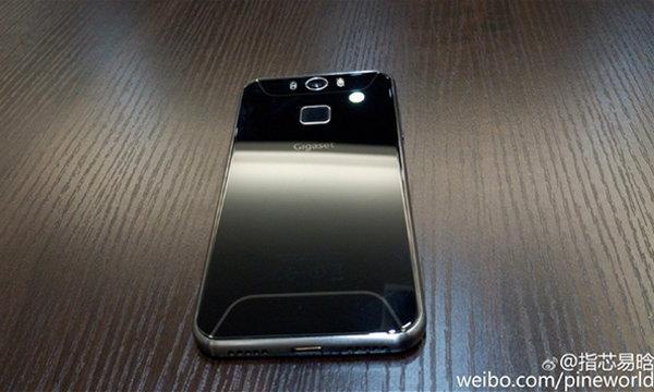 ภาพหลุดมือถือ Gigaset อดีต Brand Siemens รูปร่างเครื่องเหมือน Galaxy S6