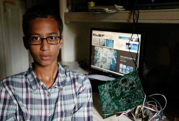 รู้หรือไม่? หนูน้อย Ahmed Mohamed คือใคร? เพราะอะไร Mark Zuckerberg ถึงอยากเจอ