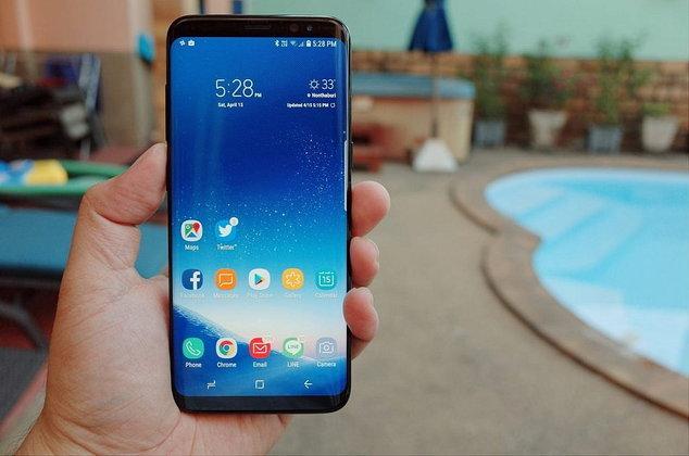 ตกแตกทีร้องไม่ออก Samsung Galaxy S8+ เปลี่ยนหน้าจอในราคาที่แพงลิบ
