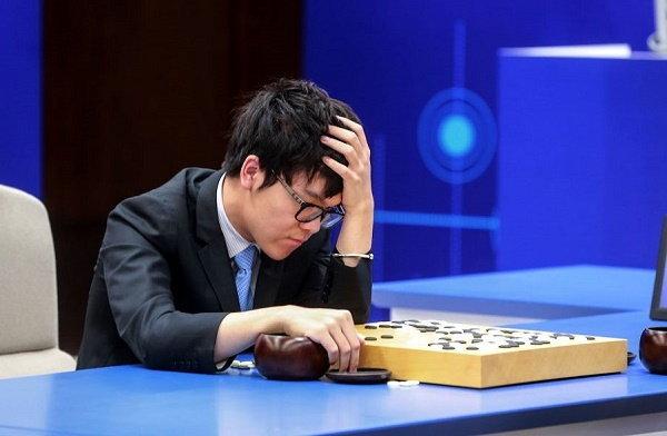 AlphaGo ผงาด ชนะ เซียนโกะมือหนึ่งของโลก 2 ครั้งซ้อน  เตรียมคว้าแชมป์ 3 เกมรวด