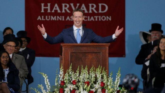 เรียนจบแล้ว มาร์ค ซัคเคอร์เบิร์ก เข้ารับปริญญากิตติมศักดิ์จากฮาร์วาร์ด