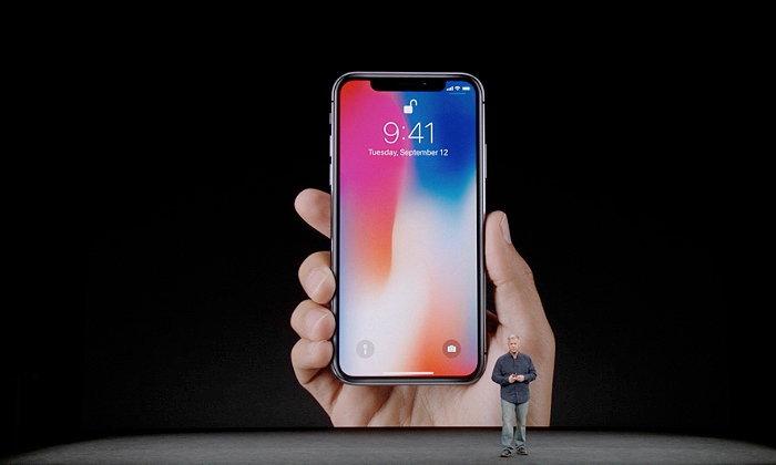 รอกันเหงือกแห้ง เผยลูกค้า iPhone X กว่าจะได้เครื่องอาจต้องรอถึงเดือนมีนา