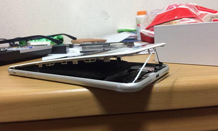 Apple เร่งสืบสวนเหตุแบตเตอรี่ iPhone 8 Plus เกิดการ บวม