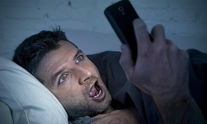 นักวิจัยเผยสาเหตุทำไมดูหนังโป๊ในคอมถึงดีกว่าดูบนสมาร์ทโฟน