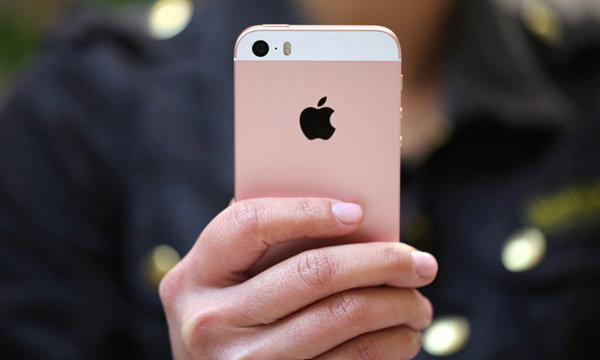 ผู้ใช้ iPhone SE เจอปัญหาด้านคุณภาพเสียงหลังเชื่อมต่อ Bluetooth บนรถยนต์ แจ้งแอปเปิลเร่งแก้ปัญหา