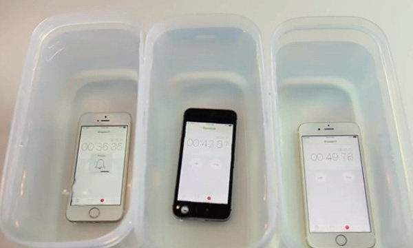 สื่อนอกลองนำ iPhone SE แช่น้ำ 1 ชั่วโมง พบว่าเครื่องยังใช้งานได้ (มีคลิป)