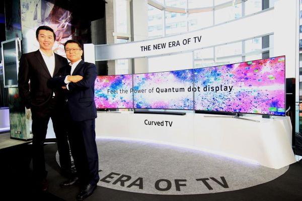 """ซัมซุงเดินหน้าปฏิวัติวงการทีวี สร้างเซ็กเมนต์ """"ทีวีจอโค้ง"""" ที่จะพลิกโฉมตลาดทีวีในเมืองไทย"""