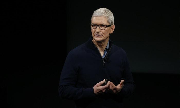 """ซีอีโอ Apple เรียกร้องให้พนักงานทุกคนมั่นใจในอนาคต หลัง """"ทรัมป์"""" ชนะการเลือกตั้ง"""