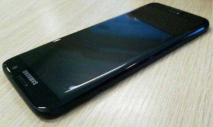 """หลุดภาพเต็มๆ Samsung Galaxy S7 edge สีดำเงา """"Glossy Black"""" เงาวับไม่แพ้ iPhone 7 Jet Black"""