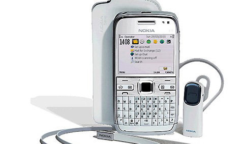 เผยโฉมสู่สายตาชาวโลกแล้วกับ Nokia E72 White Edition