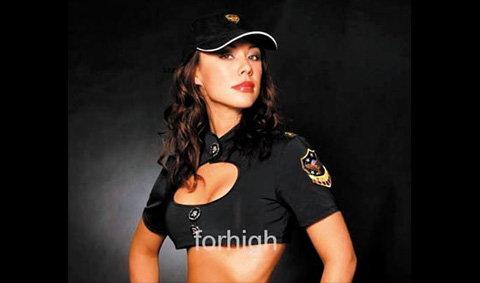 ตำรวจเมืองเบียร์จ๊าบ! เปิดตัวยกทรงกันกระสุนให้ตำรวจสาว