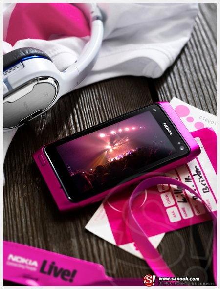 Nokia N8 Pink สีสันสดใสเอาใจวัยจี๊ด