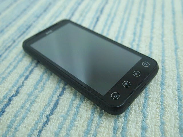 ลองเล่น HTC EVO 3D