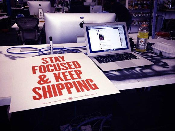 โต๊ะทำงานของ Mark Zuckerberg