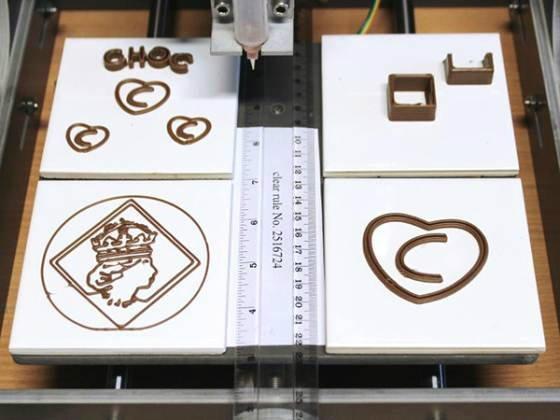 เครื่องพิมพ์ช็อกโกแลตรูปทรง 3D ทานได้