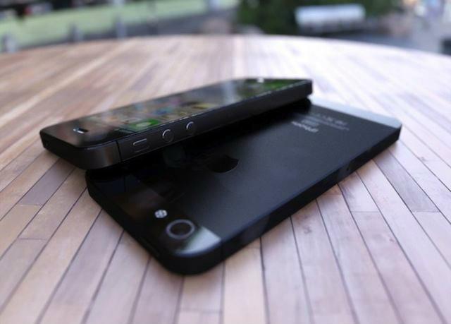 เผยโฉม ไอโฟนรุ่นใหม่ ยาวกว่าไอโฟน 4 นิดหน่อย