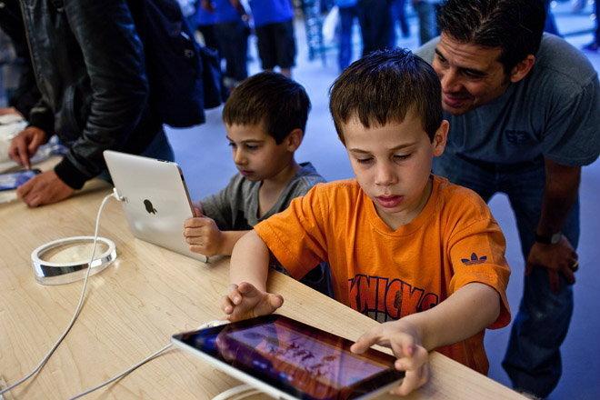 ผลสำรวจ เด็กต้องการ iPad เป็นของขวัญมากที่สุด ส่วน Surface รองบ๊วย