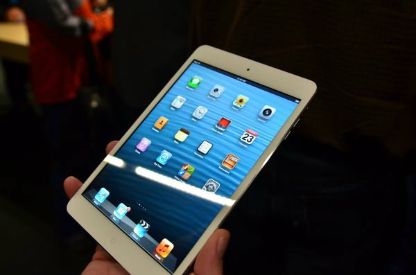 ราคา iPad mini (ไอแพด มินิ) เครื่องศูนย์ มาบุญครอง เครื่องหิ้ว (เครื่องนอก) วันที่ 31 ธันวาคม 2555