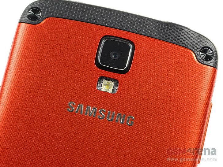 Samsung Galaxy S4 Active สมาร์ทโฟนกันน้ำกันฝุ่น