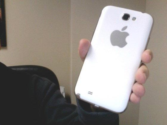 Apple เล็งพัฒนา iPhone จอยักษ์?