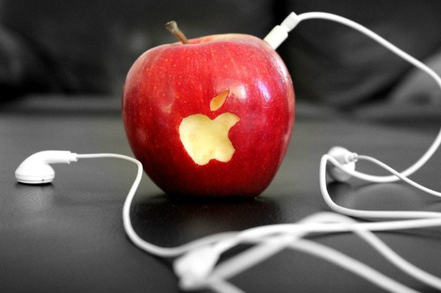 ตะลึง..!! ซื้อ iPhone แต่ได้แอปเปิ้ล 2 ลูกแทน