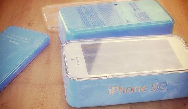 ภาพแพ็คเกจกล่อง iPhone 5C หลุดมาอีกชุด