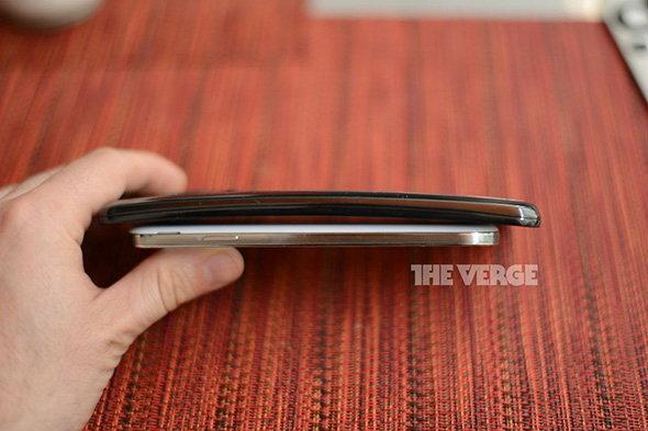 LG G Flex  เปิตตัวอย่างเป็นทางการแล้ว