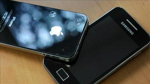 ไม่จบง่ายๆ !! Apple เตรียมทบทวนแนวทางเพื่อแบนสินค้า Samsung