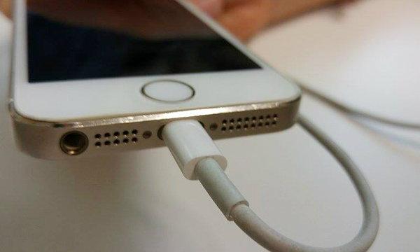 เฉลย!! เพราะอะไร สายชาร์จ iPhone ถึงขาดง่าย