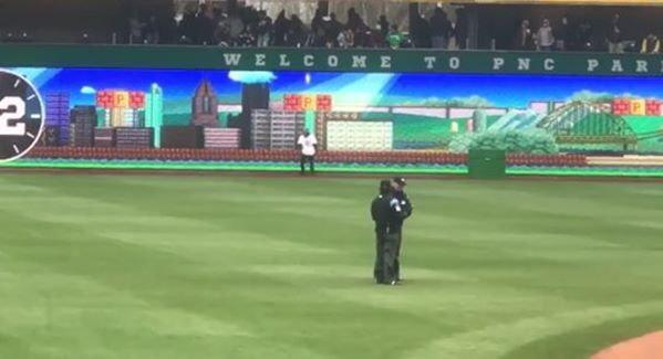 ทีมเบสบอลในอเมริกาทำ Scoreboard เป็นฉากในเกม Super Mario ที่เล่นได้จริงๆ