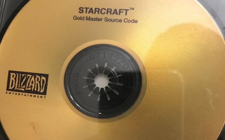 คอเกมส่งคืนแผ่น source code ของเกม StarCraft และได้รางวัลใหญ่จากค่าย Blizzard