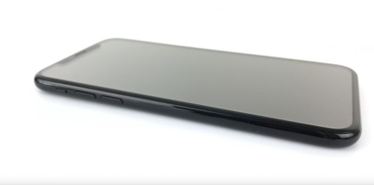 Apple อาจเปิดตัว iPhone 8s สามรุ่น พร้อมจอ OLED ทั้งหมด