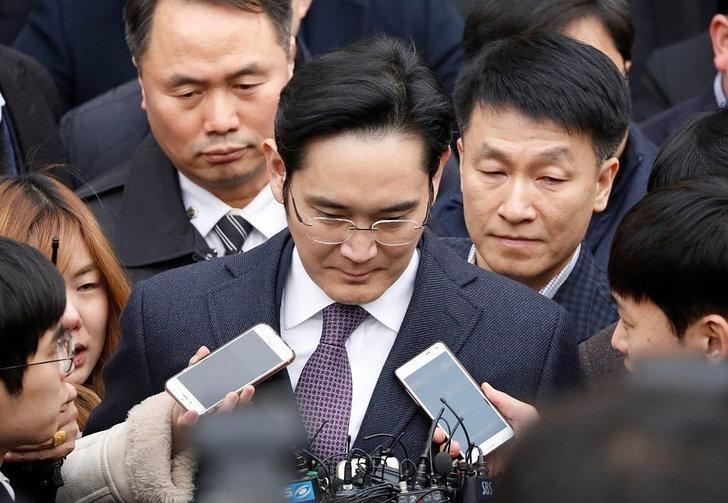 ทายาท Samsung อาจต้องติดคุก 12 ปี จากคดีติดสินบนอดีตประธานาธิบดีเกาหลีใต้