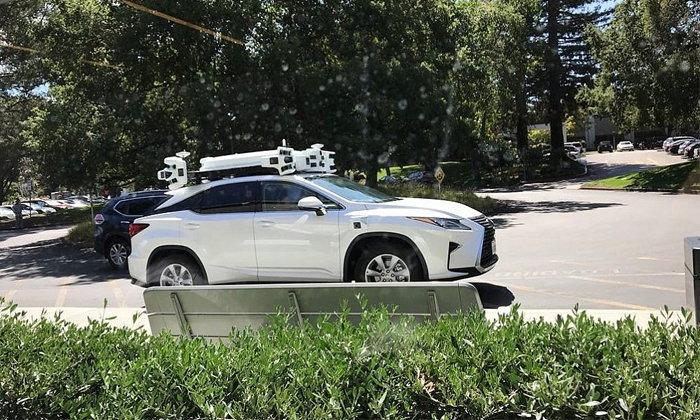 """พบ """"รถยนต์ไร้คนขับของ Apple"""" ดีไซน์ประหลาด : ติดตั้งเซ็นเซอร์ 6 ตัว บนหลังคา"""