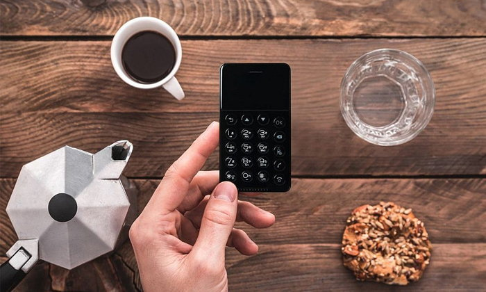เชิญพบกับ NichePhone-S สมาร์ทโฟนขนาดเท่าบัตรเครดิต