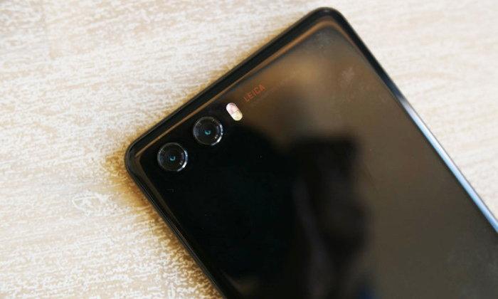 Huawei P20 เผยภาพเครื่องต้นแบบ ยืนยันดีไซน์จอขอบบางเฉียบ พร้อมระบบกล้องจาก Leica